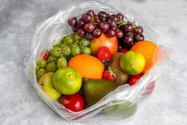 Vers biologisch geassorteerde fruit en bessen