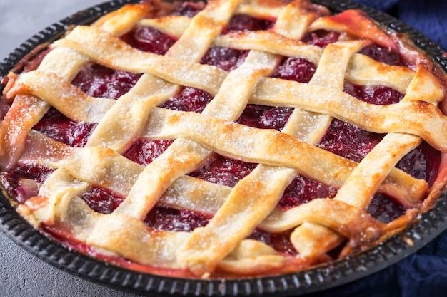Vers fruit taart met pruim. detailopname
