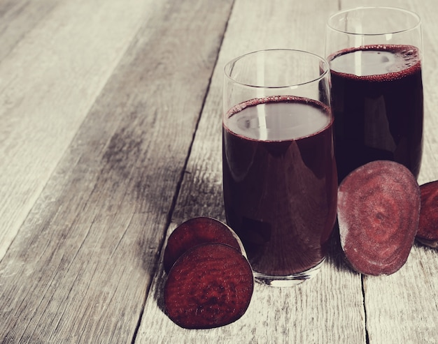 Vers fruitsap en rode biet