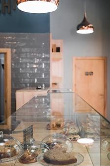 Vers gebakken voedsel in bakkerij