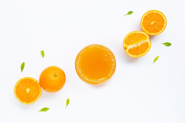 Vers jus d'orange met oranje fruit