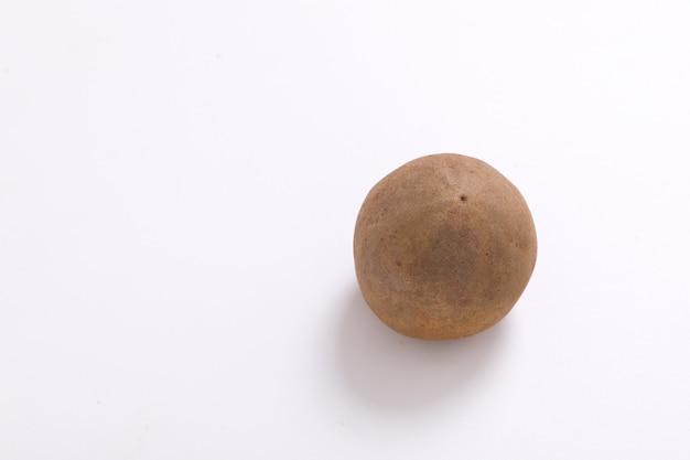 Vers sapodillafruit geïsoleerd