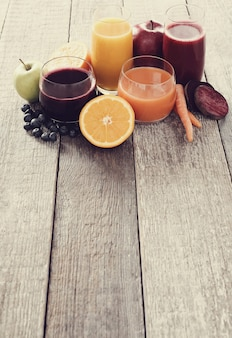 Vers vruchtensap en fruit