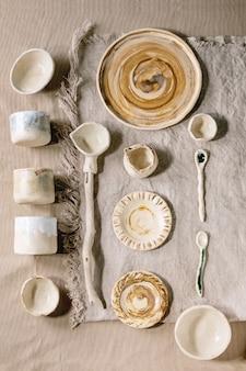 Verscheidenheid aan keramische gerechten
