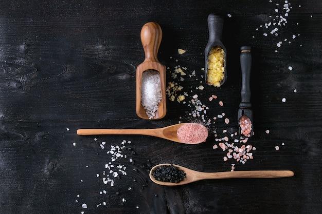 Verscheidenheid aan kleurrijk zout