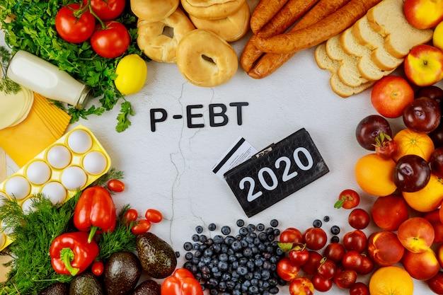 Verscheidenheid aan voedsel voor schoollunch tijdens garantie.