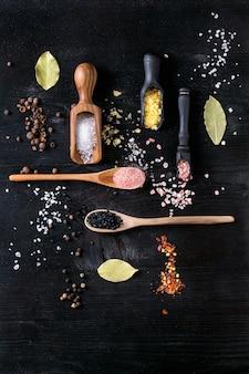 Verscheidenheid van kleurrijk zout