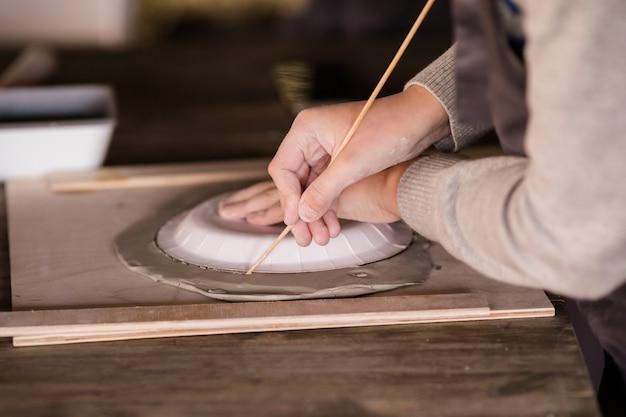 Verschillende dingen voor de workshop van ceramis voor kinderen