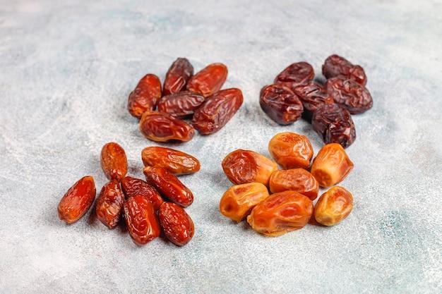 Verschillende gedroogde dadels of kurma.