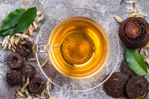 Verschillende geperste chinese pu-erh thee