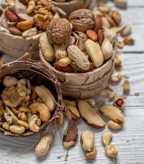 Verschillende noten in een plaat-closeup