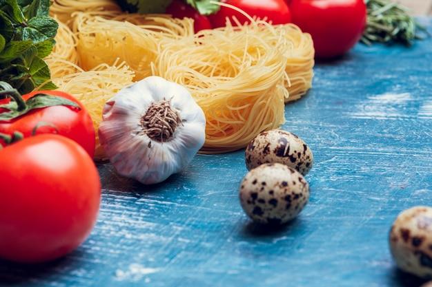 Verschillende pasta. koken concept. bovenaanzicht