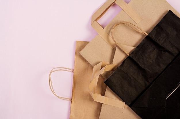Verschillende recyclebare papieren zak