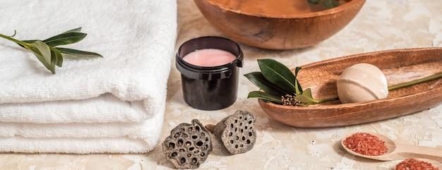 Verschillende spa en beauty bedreiging producten geïsoleerd op wit