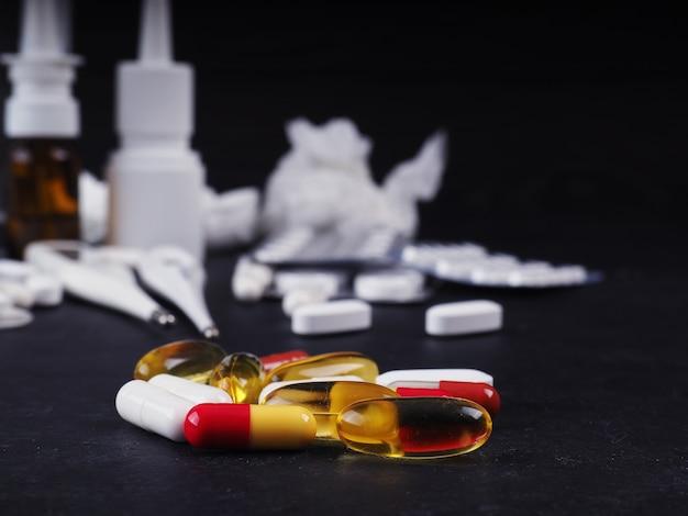 Verschillende tabletten, pillen, medicijnen, drugs macro. medicijnen, ziekte.