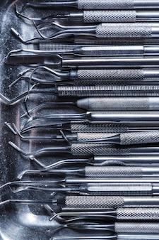 Verschillende tandheelkundige hulpmiddelen