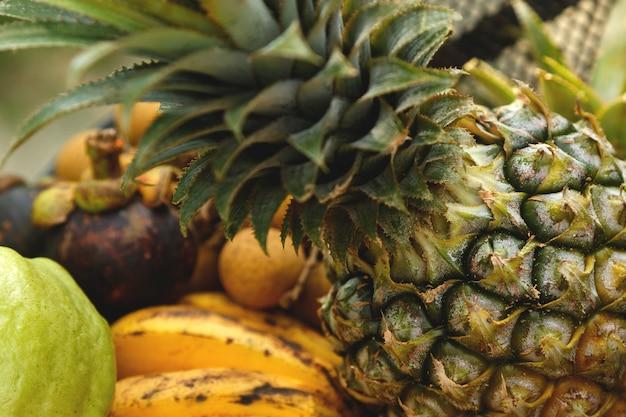 Verschillende tropische vruchten