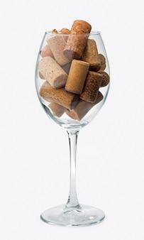 Verschillende wijnhulpmiddelen die op witte achtergrond worden geïsoleerd