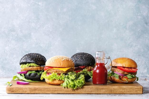Verschillende zelfgemaakte hamburgers