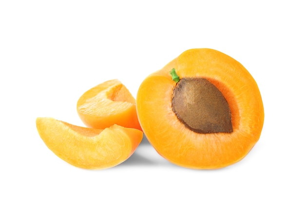 Verse abrikoos geïsoleerd
