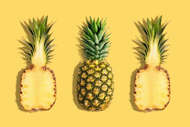 Verse ananas op gele achtergrond