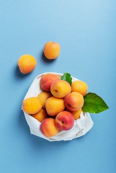Verse biologische abrikozen
