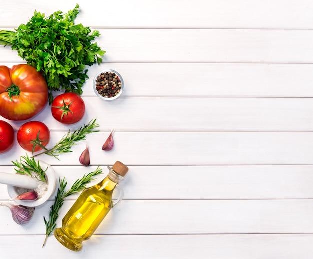 Verse biologische ingrediënten van italiaanse recepten