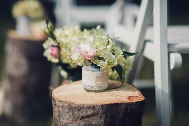 Verse bloemen in een vaas