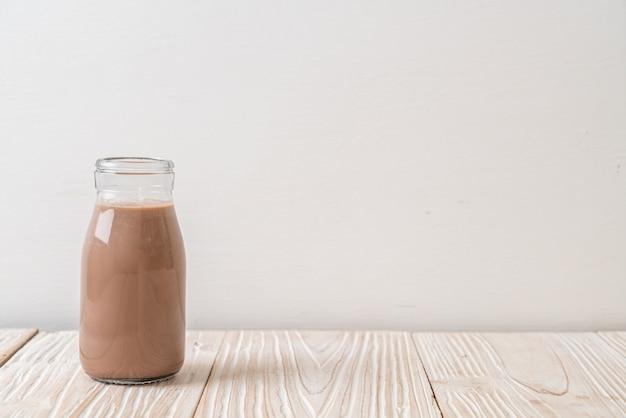 Verse chocolademelk in fles