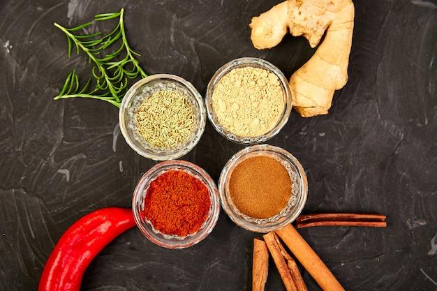 Verse en gedroogde kruiden kruiden en specerijen