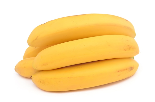 Verse en gezonde bananen geïsoleerd op een witte ondergrond