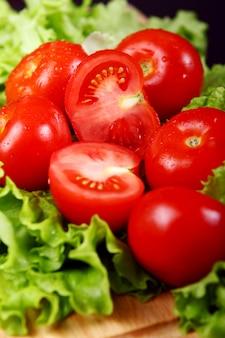 Verse en natte tomaten