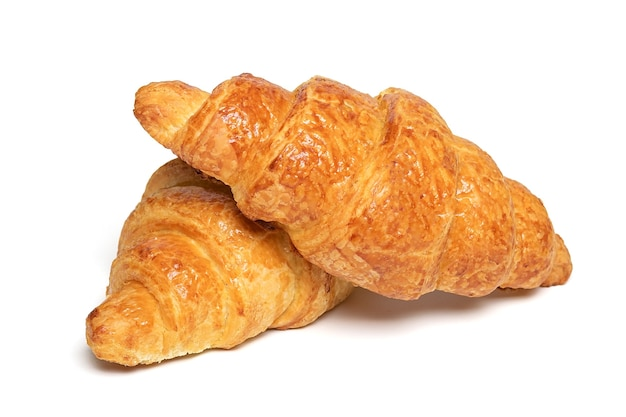 Verse franse croissants met geïsoleerde chocolade