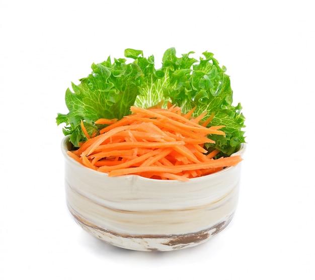 Verse frillice ijsberg en geraspte wortel