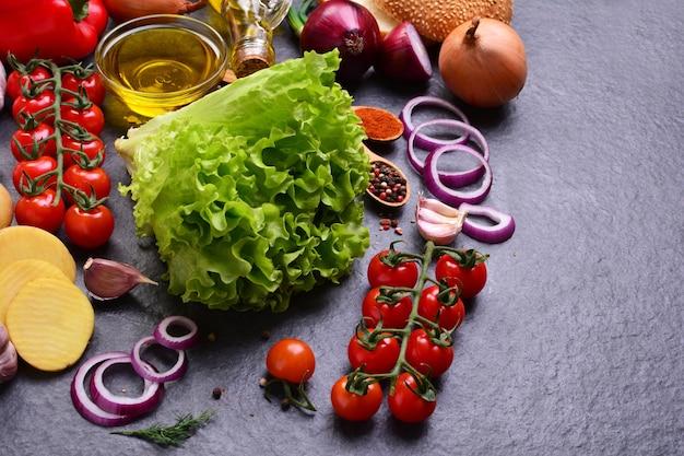 Verse groenten met kruiden