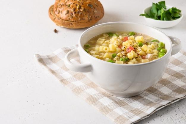 Verse huisgemaakte groentesoep