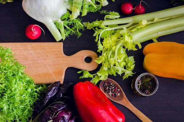 Verse ingrediënten voor salade