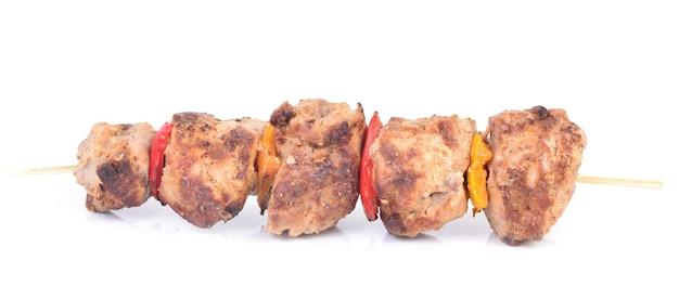 Verse kebab op witte achtergrond