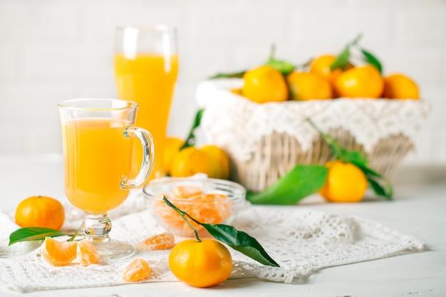 Verse mandarijnen en mandarijnsap
