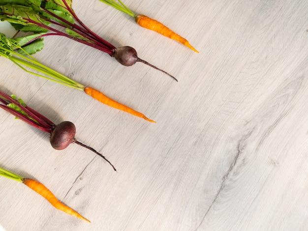 Verse mooie gewassen bieten en wortelen lay-out