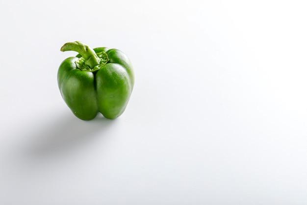 Verse paprika en groene chili