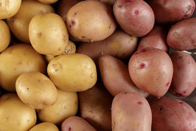 Verse rauwe aardappelen