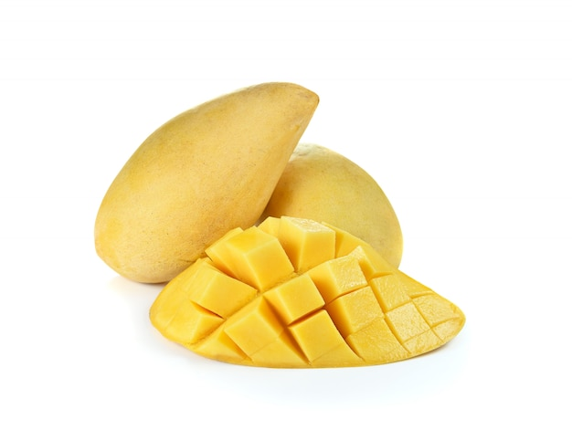 Verse rijpe gele geïsoleerde mango