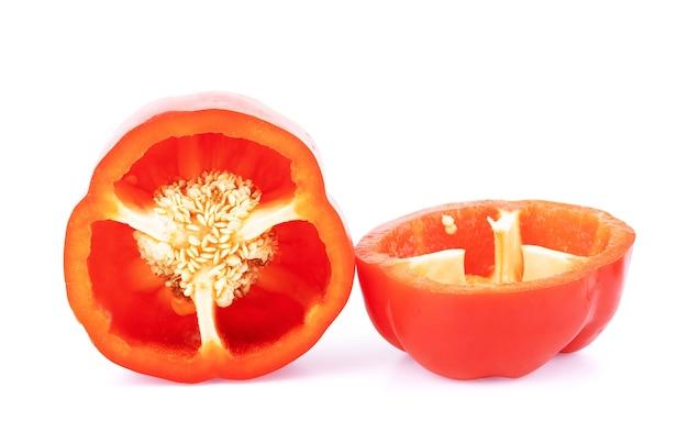 Verse rode peper op een witte achtergrond
