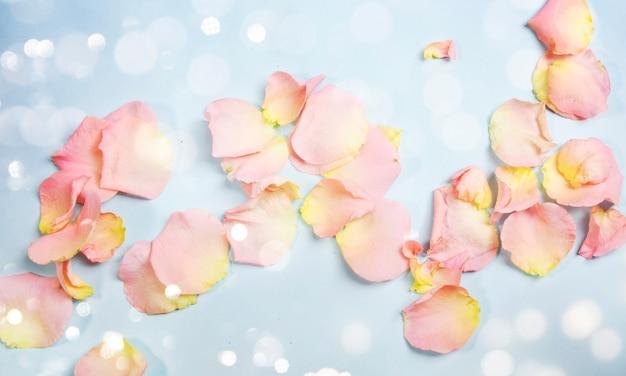 Verse rozenblaadjes