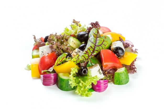 Verse salade geïsoleerd