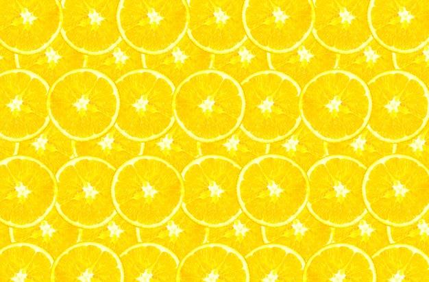 Verse sinaasappelen in schijfjes gesneden. gezond eten. verse vitamines. vegetarisch.