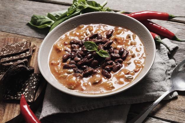 Verse soep met kruiden