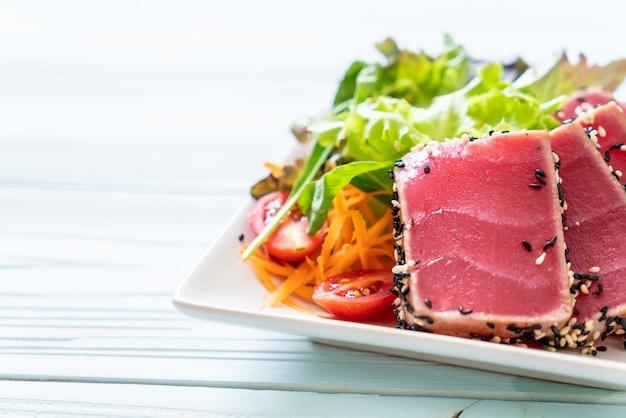 Verse tonijn rauw met groentesalade