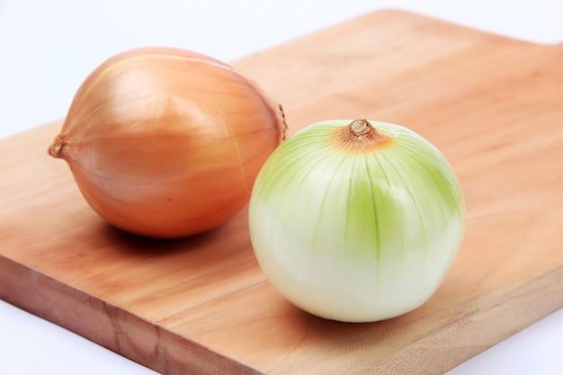 Verse ui klaar om groenten te koken